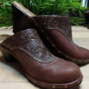 Sofft brown leather mules